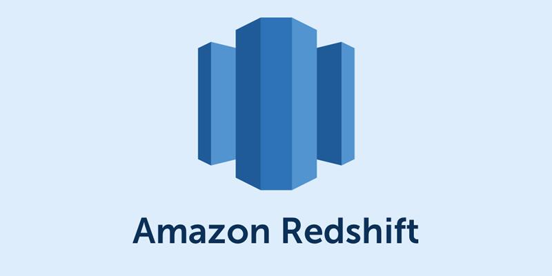 ¿Cómo se pueden ahorrar costos al trabajar con Amazon Redshift?