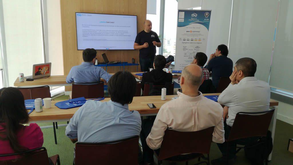 Big Data no fue el único protagonista del Workshop. Marcelo Rybertt explicó también qué es Dark Data y el por qué es importante tenerla en consideración
